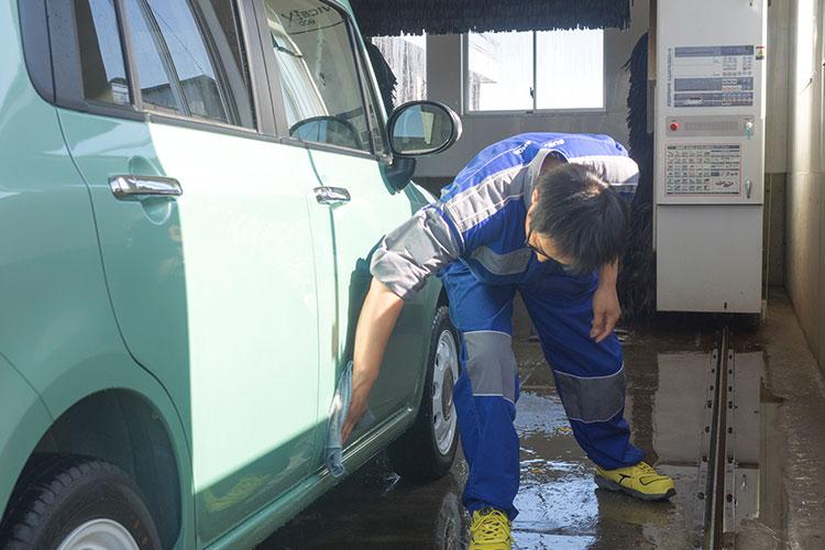 始業前活動 代車の洗車