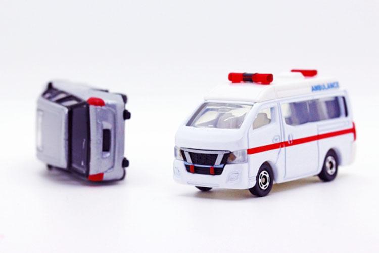 負傷者を救護